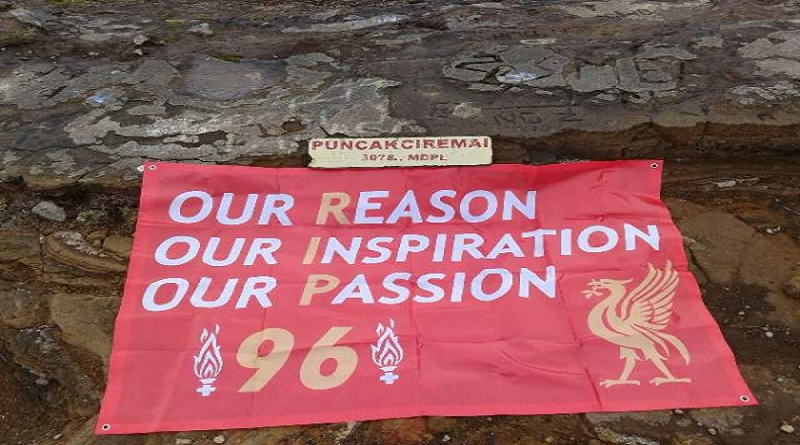 THE REDS TANGSEL